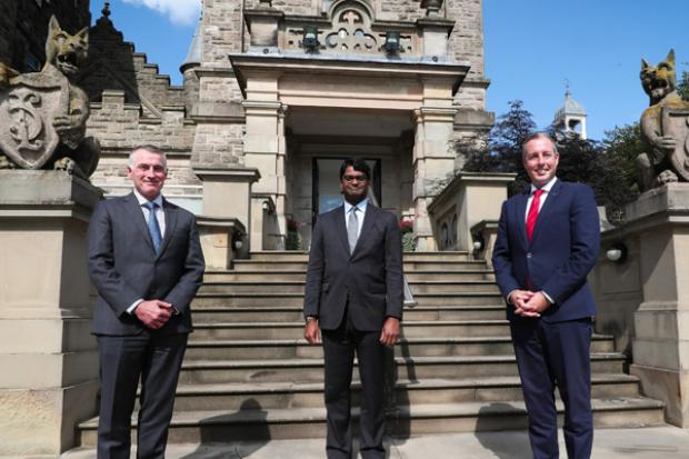 Ministers pictured with the new United States Consul General, Paul Narain. Pictured (L-R) Junior Minister Declan Kearney, Consul General, Paul Narain and First Minister Paul Givan