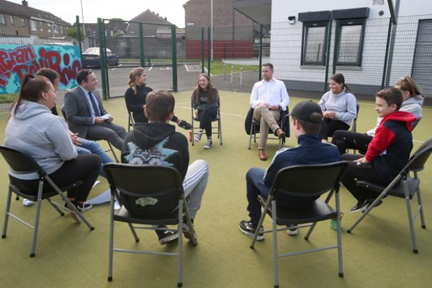 Junior Minister Gary Middleton had an opportunity to hear from participants who took part in the Planned Interventions Projects during his visit to Lincoln Courts Youth and Community Association.