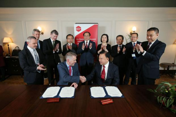 David Sterling, Head of the Northern Ireland Civil Service, pictured after signing a Memorandum of Understanding with Mr Wang Dawei, Vice Governor Liaoning Province.